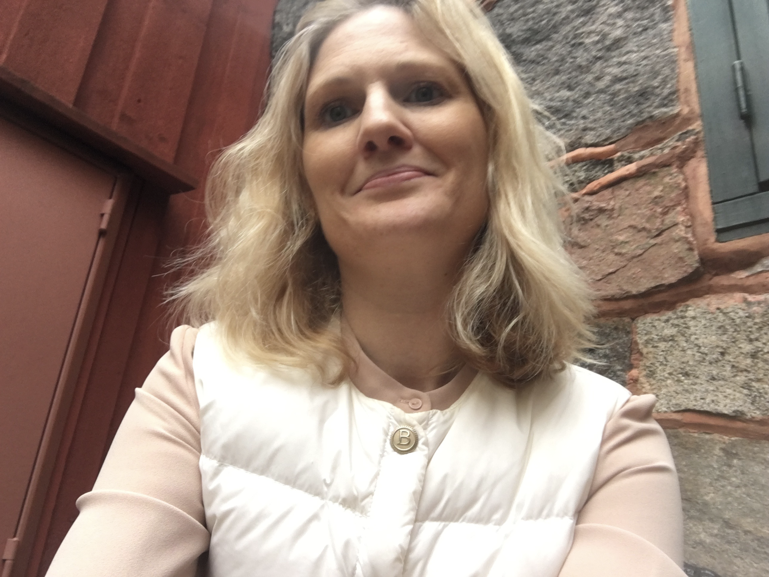 Någon gång behöver man lära sig äta och dricka av Helena Öggesjö